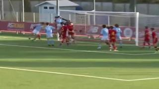 Pinzolo beffa l'arbitro come Maradona