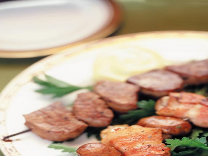 Spiedini di manzo e ostriche nella pancetta