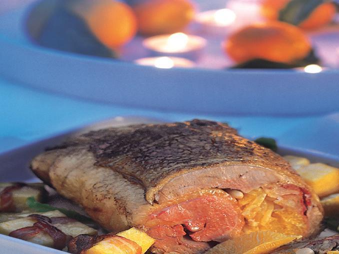 Rotolo d'anatra all'arancia con pacchettini di polenta