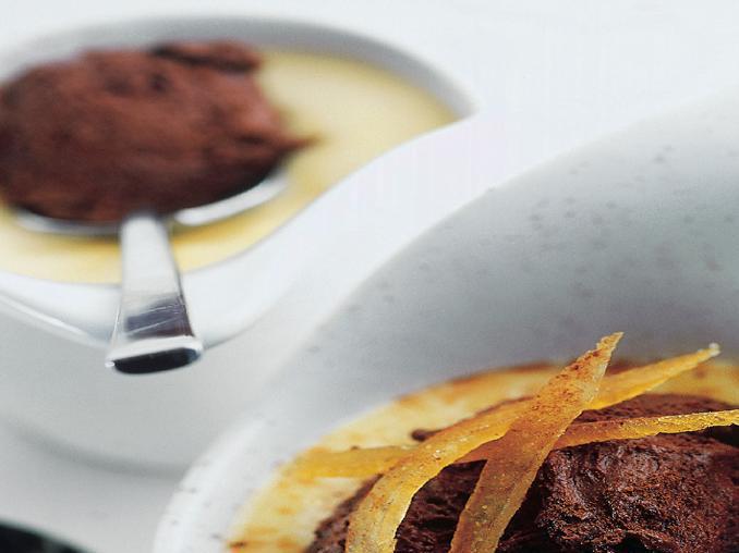 Coppette di crema con mousse al cioccolato