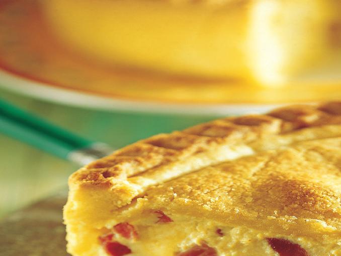 Torta lucana di pasta frolla con prosciutto e formaggio