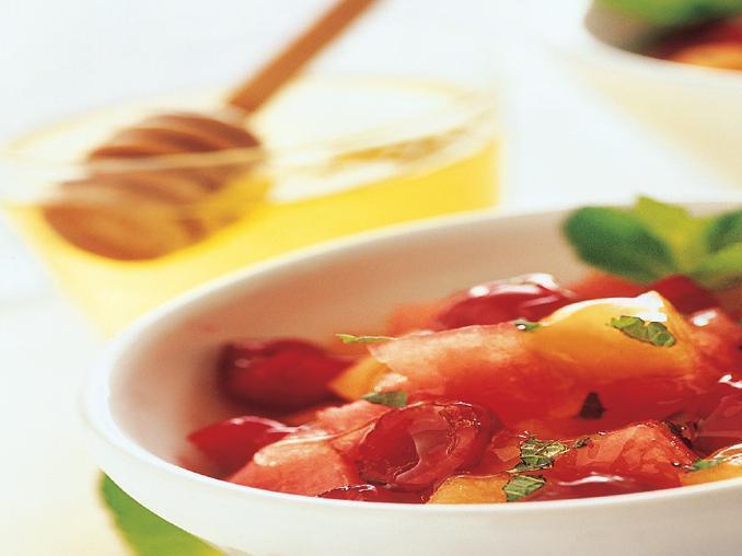 Macedonia di melone, anguria e amarene alla menta