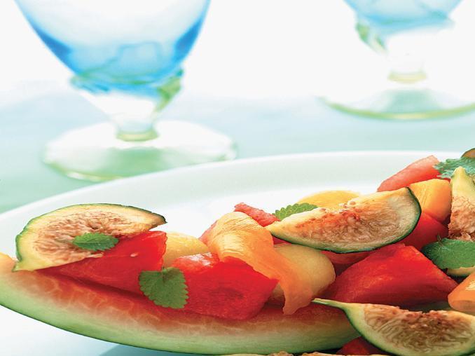 Macedonia con fichi e salsa al mango