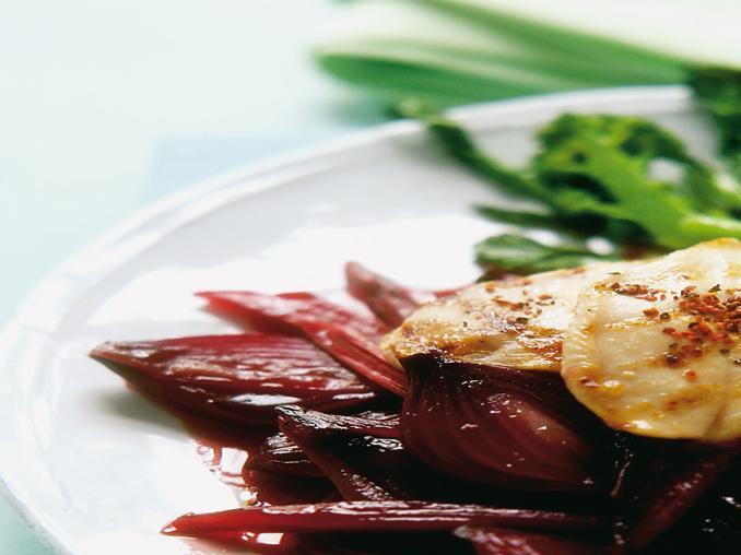 Medaglioni di pollo con salsa al rabarbaro