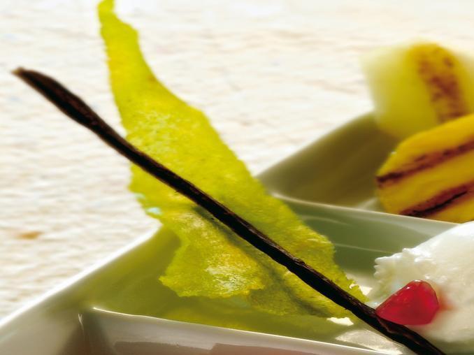 Ananas e melone invernale con gelatina di melagrana