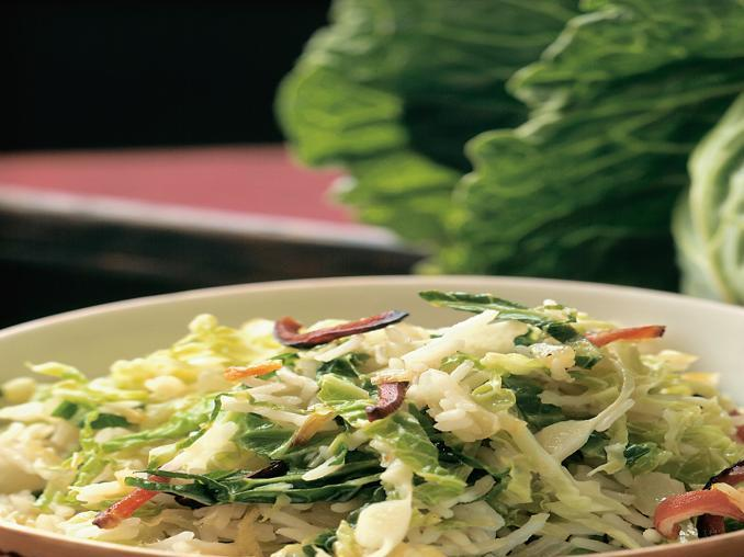 Insalata di riso agli agrumi con verza e pancetta