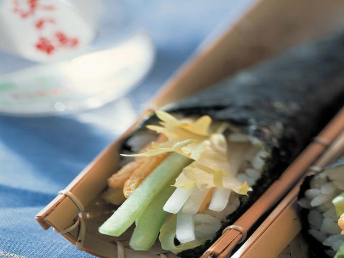 Temaki di sushi con verdure