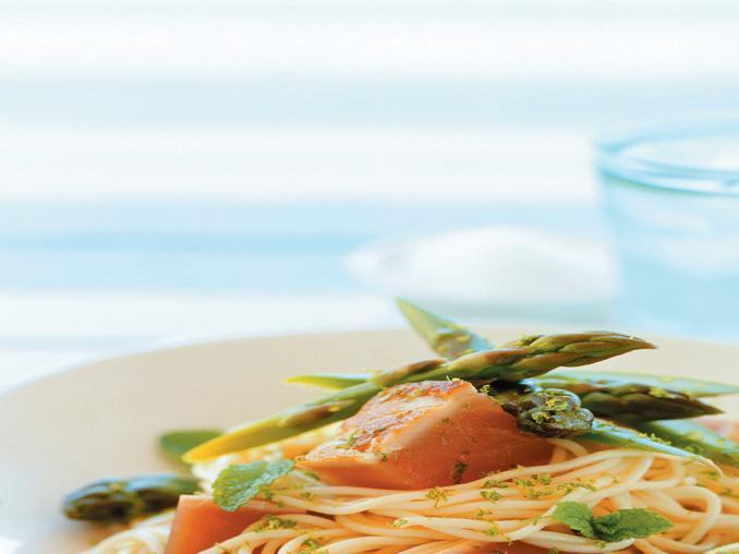 Spaghettini con tonno e asparagi