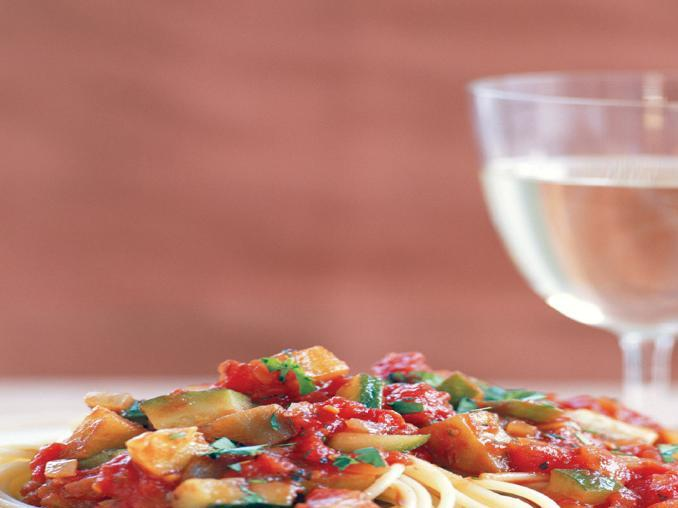 Spaghetti al sugo di verdure