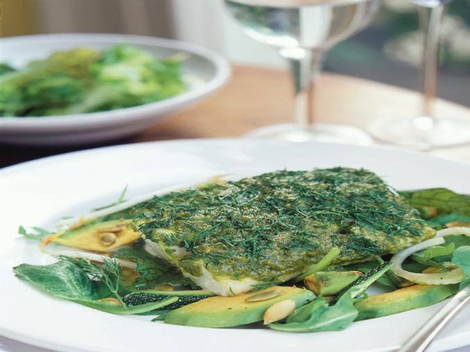 Merluzzo in crosta di aneto con insalata di avocado
