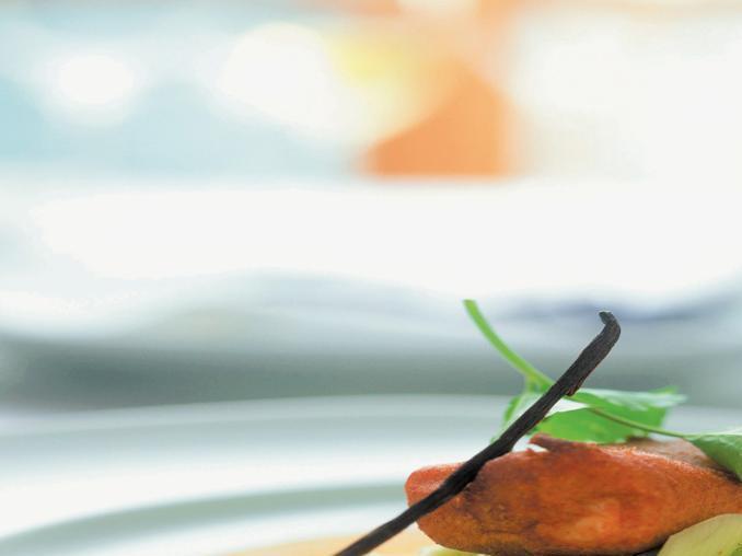 Trota salmonata in blini con salsa alla vaniglia