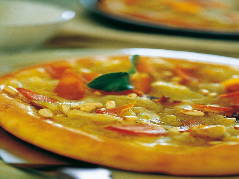Pizza con bottarga e cipolle