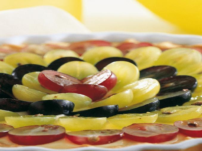 Crostata all'uva e alla crema pasticciera