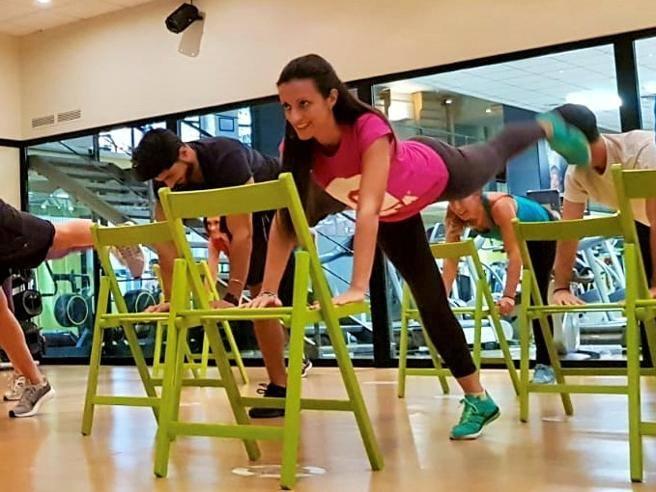 «ScadrègaFit», l'allenamento delle milanesi (con la sedia)