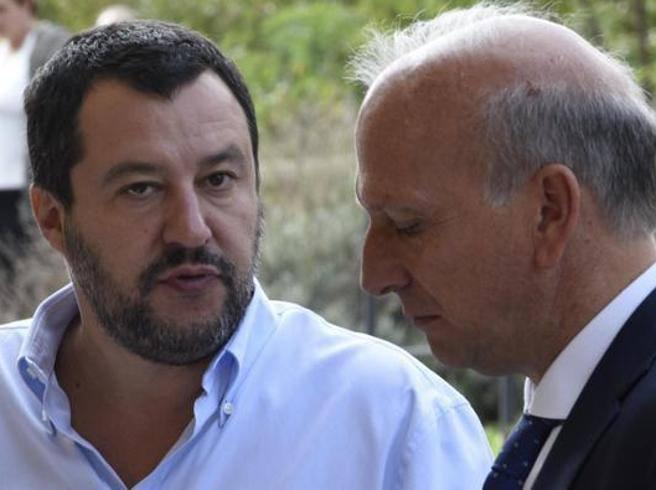 Abolizione del valore legale della laurea, Bussetti frena Salvini