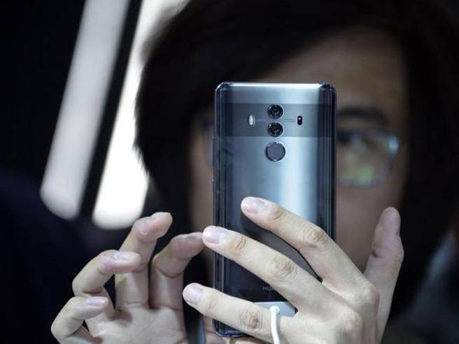 Wall Street Journal, gli Usa contro Huawei: la richiesta ai Paesi alleati di boicottare Huawei