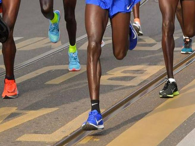High-tech e adatte al piede dell atleta. La sfida delle scarpe da running a  stampa 3D - Corriere.it df8bdd19836