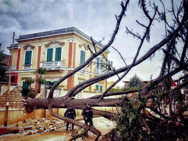 Maltempo I Danni In Italia Per Il Forte Vento Corriere It