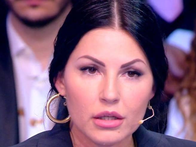 Pamela Prati, il marito inesistente, l'agente che vuole rifugiarsi al GF ...