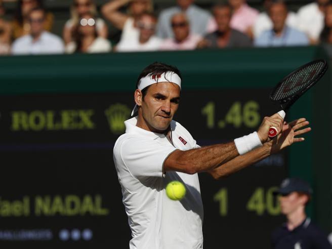 Wimbledon, Federer batte Nadal in 4 set e in finale trova Djokovic