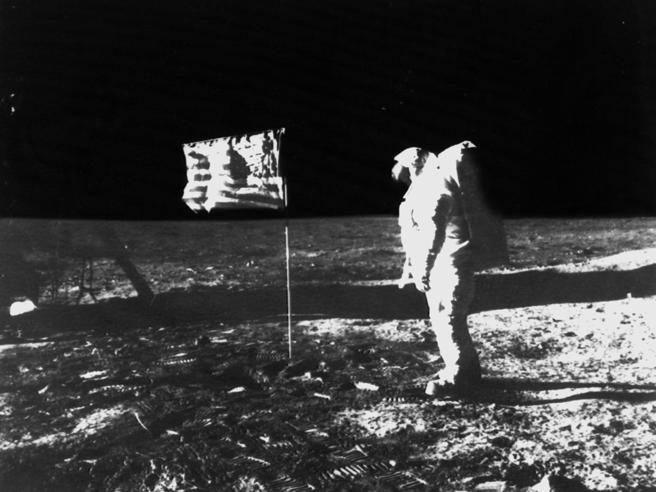 Nasa: diffusa online la prova che lo sbarco sulla Luna era
