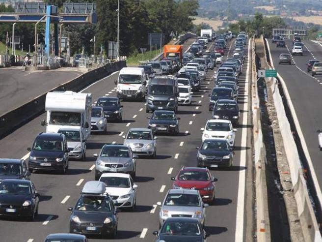 Sabato da bollino nero, traffico intenso sull'A1 da Modena a ...