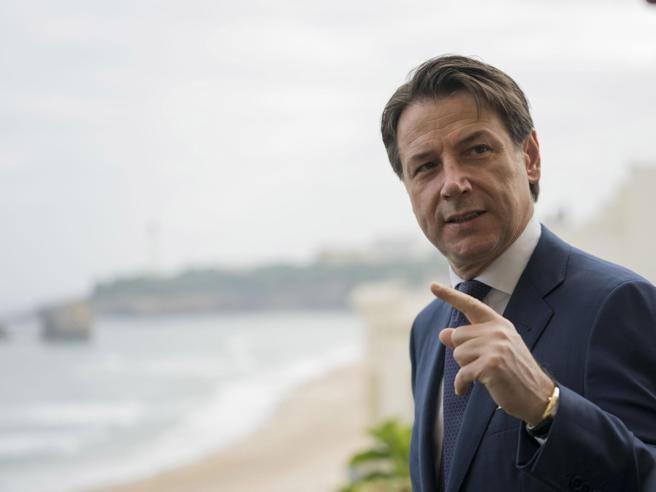 Fico: resto presidente della Camera  Tramonta la candidatura a premier.  Grillo e Di Maio rilanciano Conte