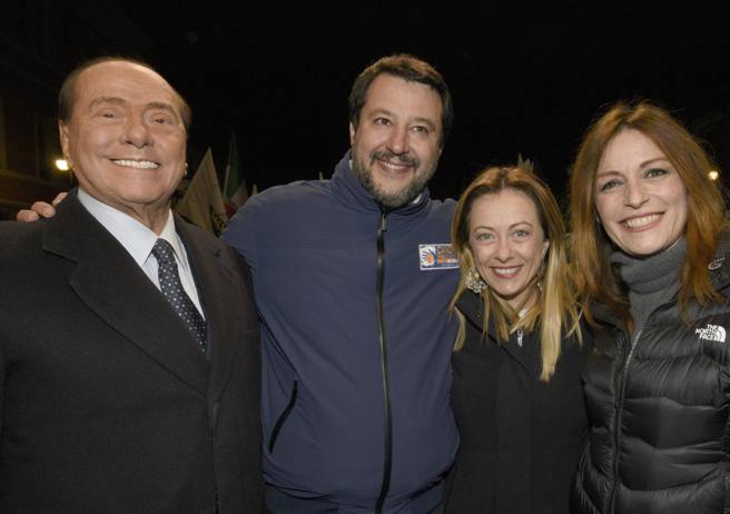 Elezioni in Emilia-Romagna, Salvini alza il tiro sul governo: «Vinciamo noi, e Conte cadrà»