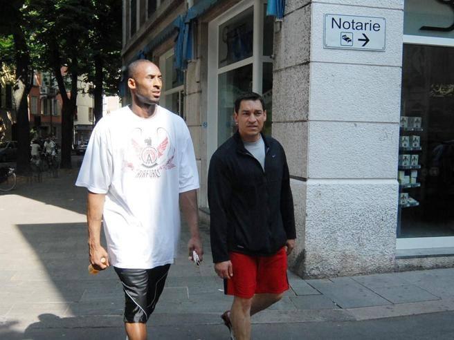Kobe Bryant, Reggio Emilia piange il suo figlio. Lui diceva: «Io qui mi sento in pace»