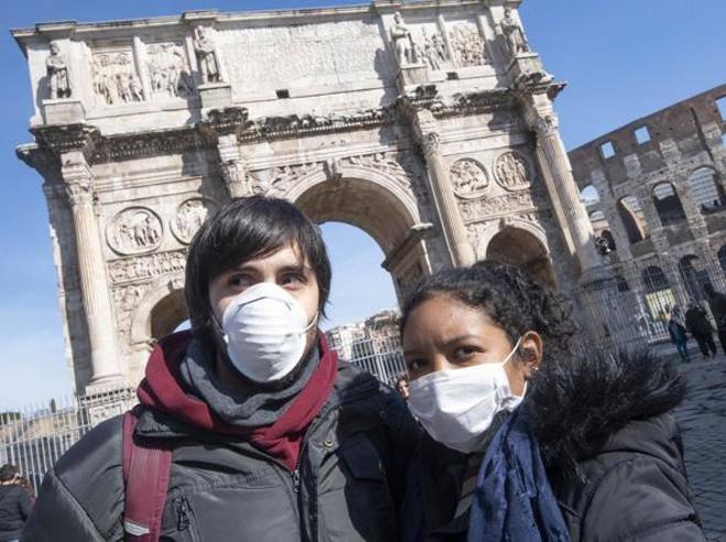 Coronavirus, Andreoni: «Cercare i malati col tampone ha fatto aumentare i casi dell'Italia»