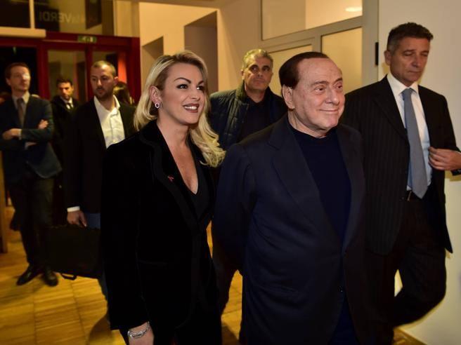 Pascale e l'addio a Berlusconi: «Non siamo più la coppia più bella del mondo, ma l'amore non può sparire»