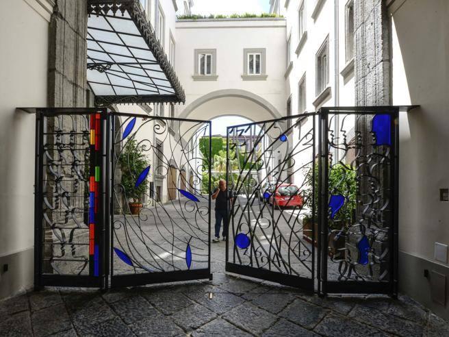 Napoli, il teatro in condominio: «Ospitiamo l'arte, siete tutti invitati» -  Corriere.it