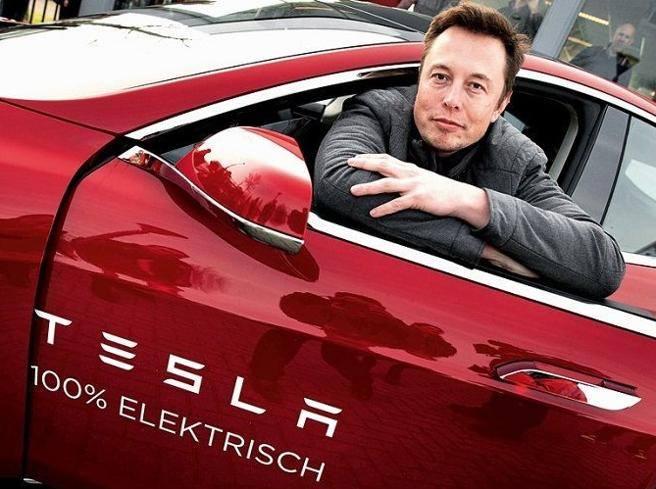 Tesla, boom al Nasdaq: +20%. Perché le azioni hitech ora volano e cosa c'entra l'inflazione