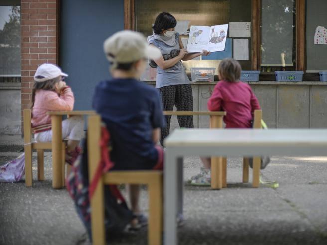 Scuola, via libera alle regole per gli asili a settembre thumbnail