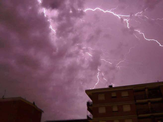 Allarme meteo a Milano: temporali forti e moderato rischio idrogeologico