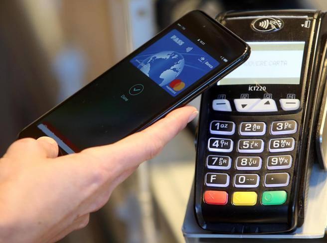 Bonus Pos: nel decreto di agosto spunta incentivo per i pagamenti con carta di credito e bancomat thumbnail
