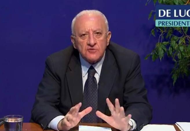 Covid, De Luca: «Pronto a chiudere la Campania» thumbnail