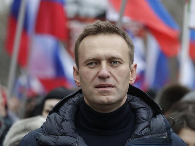 Navalny, la Germania conferma: «Avvelenato con l'agente nervino Novichock, abbiamo le prove» thumbnail