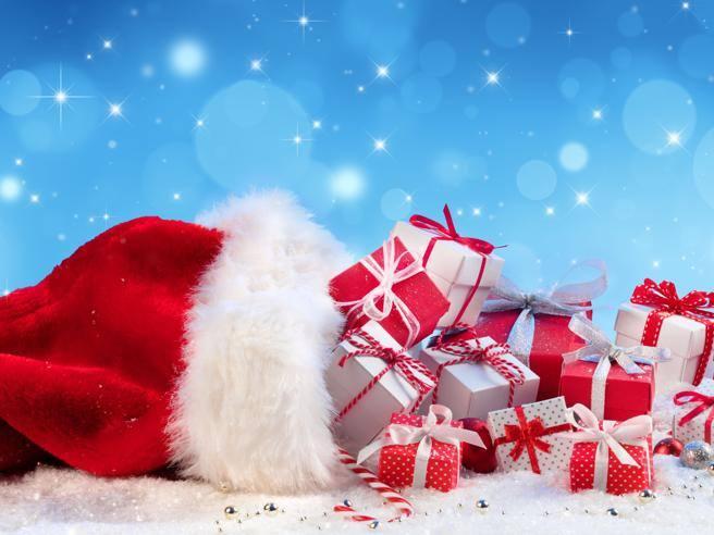 Regali Di Babbo Natale.Chi Porta I Regali Babbo Natale San Nicola Gesu Bambino La Befana O Santa Lucia Corriere It