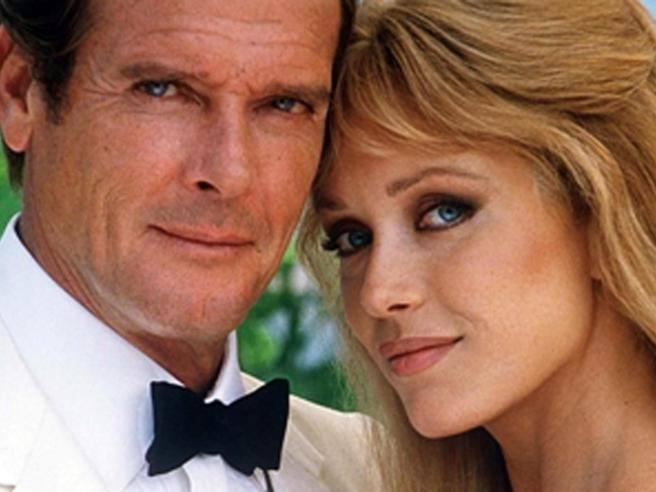 Tanya Roberts, viva l'ex Bond Girl  È in ospedale in condizioni critiche