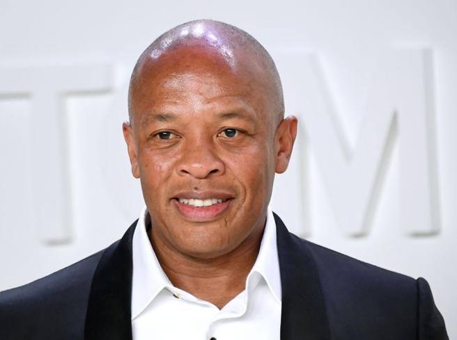 Il rapper Dr. Dre ricoverato per sospetto aneurisma. «Sto bene»