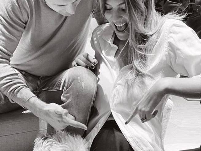 Cristina Chiabotto presto mamma: la prima foto col pancione