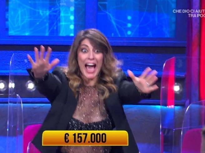 Elisa Isoardi fa i salti di gioia ai «Soliti Ignoti» per la vincita da 157 mila euro