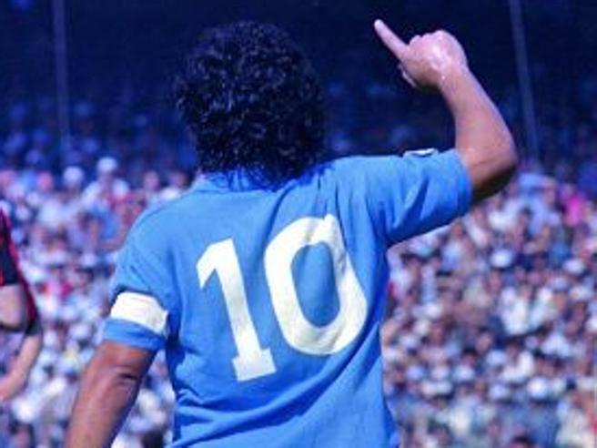 Maradona, 30 anni fa l'ultima partita col Napoli al San Paolo:  l'anti-doping, la cocaina, l'addio- Corriere.it