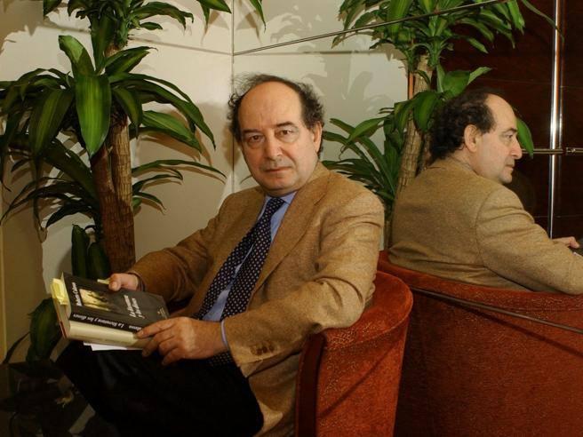 Morto lo scrittore Roberto Calasso, padre della casa editrice Adelphi