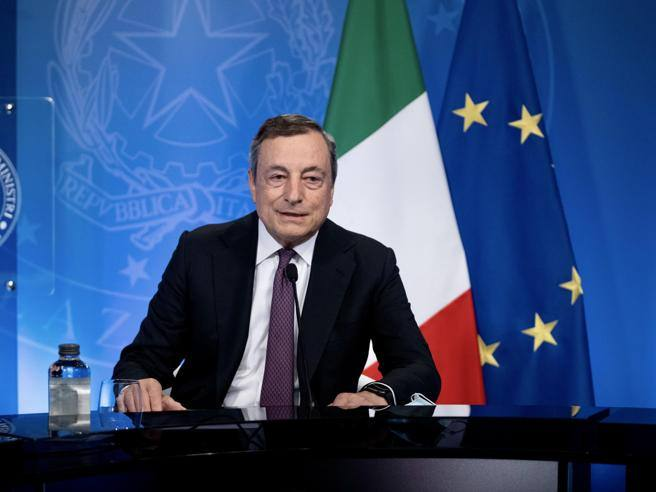 La conferenza stampa di Draghi, in diretta