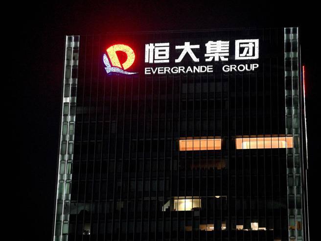 Borse, il lunedì nero in scia alla crisi della cinese Evergrande: Milano -2,57%