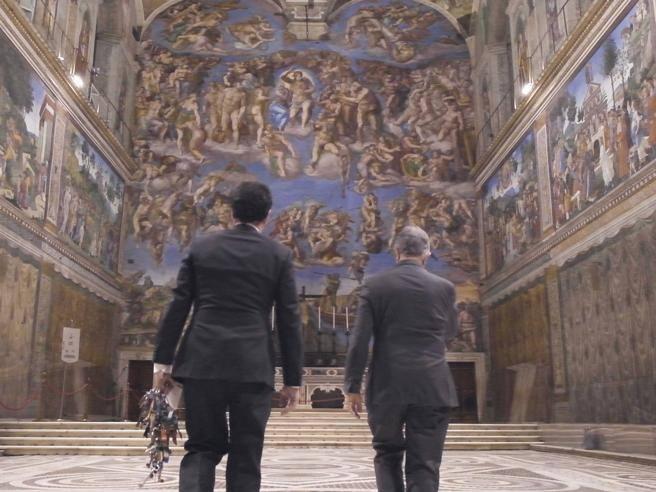 Cappella Sistina, Il Clavigero Gianni Crea Che Custodisce