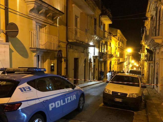 Donna uccisa in casa a ragusa fermato il marito di 74 for Casa corriere