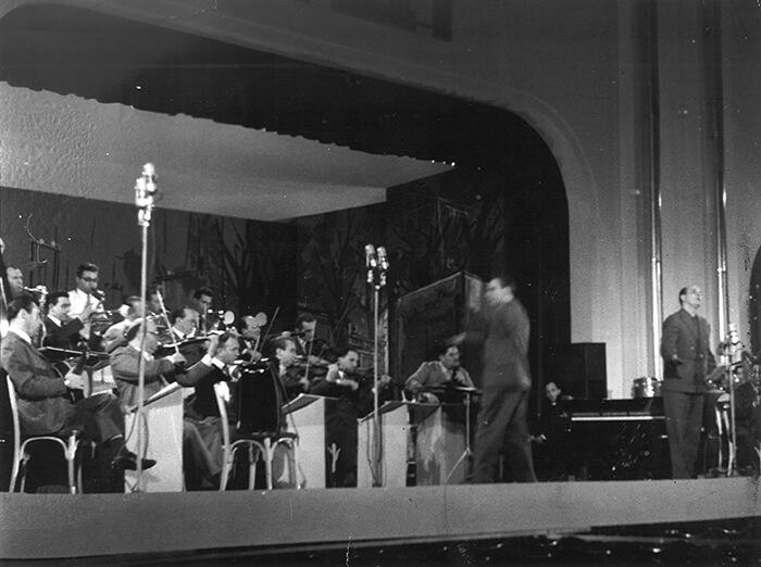1955 - Il palco del Festival al Casinò di Sanremo nel 1955 (Rotofoto/Archivio Rcs)